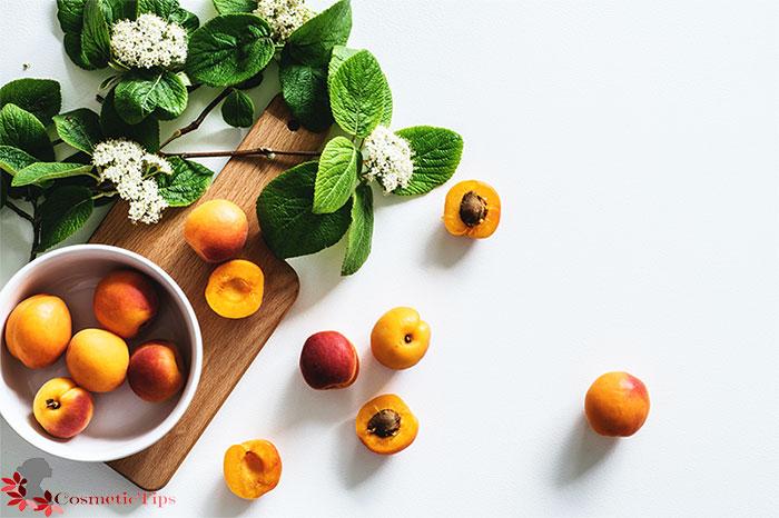 میوه زردآلو برای درخشان شدن پوست