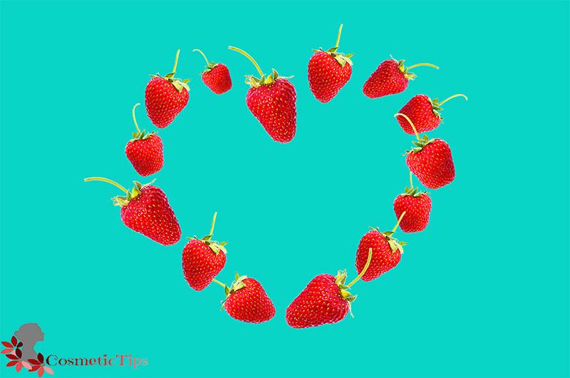 میوه توت فرنگی برای درخشان شدن پوست