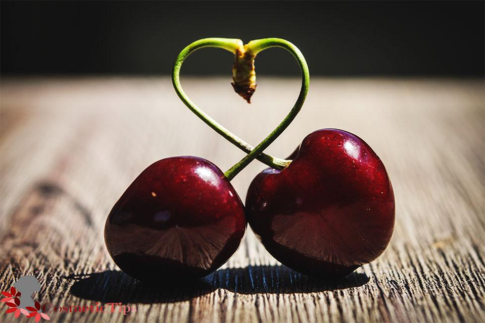 میوه گیلاس برای درخشان شدن پوست